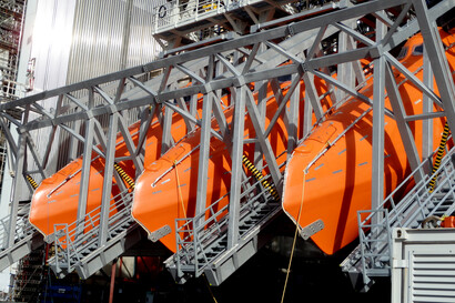 Free Fall Lifeboat Davits