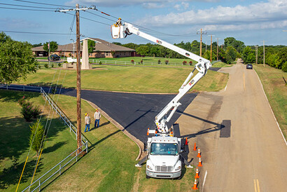 Edmond Electric ETI Aerial Lift Truck
