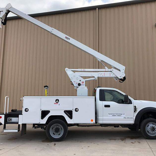 ETC 37 IH Aerial Lift Truck