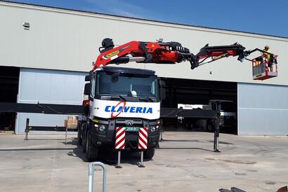 Fotografía de nuestros clientes Claveria Servicios S.L., con su nueva PK 165.002 TEC7