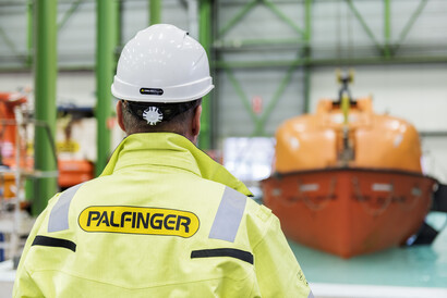 When it comes to knowledge and competence concerning LSA, no one matches PALFINGER – with its level of service, commitment, and dedication guaranteed by PALFINGER's service experts.